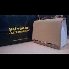 Una de nuestras clientas nos manda la imagen de este monísimo bolso @mariamare_shoes. Calzado y accesorios Mariamare en Salvador Artesano. Zapatosparatodos.es.