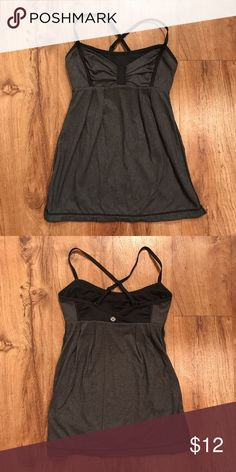 LULULEMON tank top Size 4 LULULEMON tank lululemon athletica Tops