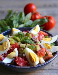 Salade Niçoise Nicoise Salad, Cobb Salad, Clean Eating, Healthy Eating, Salty Foods, Starchy Foods, French Food, Kids Meals, Entrees