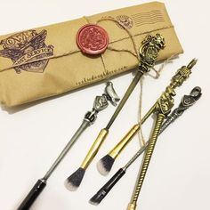 Harry Potter inspired Hogwarts School of Witchcraft and Wizardry Makeup Brush Set (Brush Roll & Gift Wrap Options)