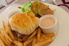 Hello Kitty burger