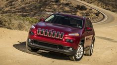 Set to debut in the 2014 Jeep Cherokee, the EcoTrac Disconnecting AWD driveline system is designed to improve fuel efficiency by disengaging components from the driveline when not required, so that only power is delivered to the front wheels.