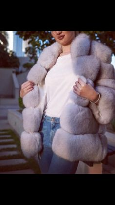 #furcoat #designer #fauxfur  this is our Queen jacket in colour 'natural'