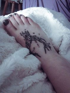 foot tattoo Beautiful deer  Tatouage cerf sur le pied!
