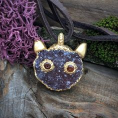 CAT FACE Druzy Carving Necklace/Pendant, Quality and Precious Crystal Cat Face carving, 24K Gold plated, Magic Nature, Unique, Cat Pendant by GingerandFoxy on Etsy Dendritic Agate, Spiritual Jewelry, Cat Face, Leather Necklace, Coachella, Ibiza, Crochet Earrings, Amethyst, Plating