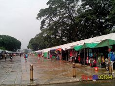 QC Memorial Circle Tiangge Bazaar Commonwealth Ave side Photo 3