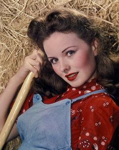 Actress Jeanne Crain sporting a delightfully cute farm girl look. Hooray For Hollywood, Golden Age Of Hollywood, Vintage Hollywood, Classic Hollywood, Hollywood Style, Hollywood Actresses, Actors & Actresses, Film Man, Jeanne Crain