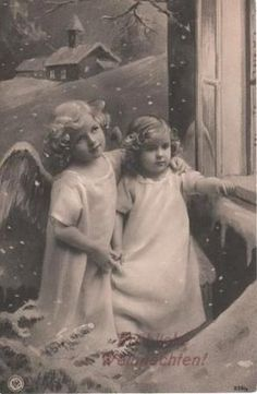 Vintage German Postcard with two sweet Christmas Angels Christmas Past, Christmas Angels, Vintage Christmas, Snow Angels, German Christmas, Vintage Illustration, Illustration Noel, Russian Posters, Vintage Pictures