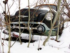 Google Image Result for http://www.myrideisme.com/Blog/wp-content/uploads/2010/12/1953-Chevy-Old-Car-in-Snow.jpg
