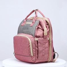 Diaper Backpack, Baby Diaper Bags, Baby Bags, Get Baby, Mom And Baby, Newborn Fotografie, Baby Life Hacks, Baby Necessities, Traveling With Baby