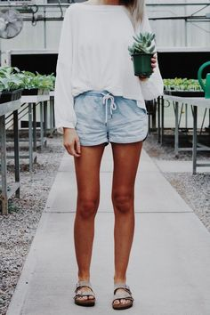 Perfect Weekend Casual Outfits Ideas For Women - Birkenstock Outfit, Outfit With Birkenstocks, Prep Fashion, Fashion Outfits, Style Fashion, Fashion Trends, Fashion Styles, Fashion Ideas, Fashion Hacks