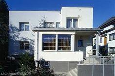 przebudowa starego domu na nowoczesny - Szukaj w Google Multi Story Building, Mansions, House Styles, Google, Home Decor, Decoration Home, Manor Houses, Room Decor, Villas