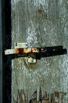 Rusty lock Mantle Art, View Image, Searching, River, Photos, Weather, Pictures, Search, Rivers