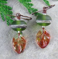Fall Leaf Earrings in Green and Brown Handmade Lampwork Glass Autumn   Linda Landig Jewelry