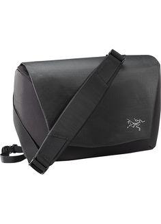 Fyx 9 Messenger Bag Advanced design in a modern messenger bag for the digital world.