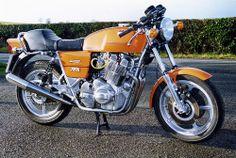 Laverda Jota - (www. Classic Motors, Classic Bikes, Cool Motorcycles, Classic Italian, Bobber, Motorbikes, Rockabilly, Touring, Cool Designs