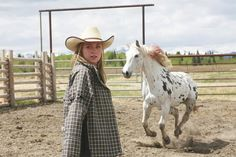 this horses name is ghost because when he first arrived at Heartland he would keep disappearing and then reappearing like a ghost. Caleb even refers to him as a ghost horse. Heartland Season 2, Heartland Georgie, Heartland Actors, Heartland Quotes, Heartland Ranch, Heartland Tv Show, Heartland Characters, Rare Horse Colors, Leopard Appaloosa