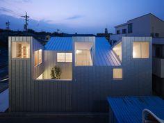 Complex House - Tomohiro Hata Architect and Associates