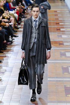 Thom Browne | Ready-to-Wear - Autumn 2019 | Look 19 Style Garçonne, Boyish Style, World Of Fashion, Fashion Show, Paris Fashion, Street Outfit, Thom Browne, Autumn Winter Fashion, Ready To Wear