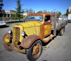 This 1934 Chevy 1.5 ton Flatbed Truck would make a great project! Just needs some love.