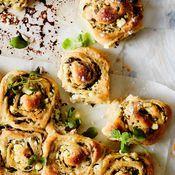 Juustoiset nyhtösämpylät | Suolainen leivonta | Soppa365