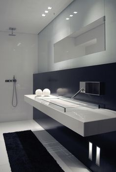 Black and white bathroom, Side lighting by Kreon (ceiling and walls) _Agape Lav 03 with parapan counter