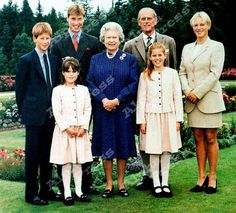 yoursweetremedy:  The Royal Family in Balmoral 1999-Prince Harry, Prince William, Princess Eugenie, Queen Elizabeth, Duke of Edinburgh, Princess Beatrice, Zara Phillips