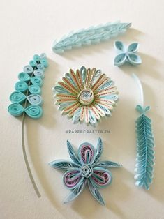 Quilling Flowers Tutorial, Paper Quilling Flowers, Paper Quilling Cards, Paper Quilling Patterns, Origami And Quilling, Quilled Paper Art, Quilling Dolls, Arte Quilling, Quilling Work