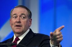 Huckabee speaks at the Values Voter Summit in Washington, D.C., in September. (Photo: Jose Luis Magana/AP) Republican frontrunner Donald Trump live-tweeted Tuesday's Democratic debate as promised, but it was his GOP rival — former Arkansas Gov. Mike Huckabee — whose tweets drew the most attention. Black