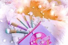 | my love for you will never fade  I am the kind of person who loves inspiring and spreading positivity, everything beautiful, and truth...therefore, I will never stop talking about @slmissglam magical brush sets Use these coupon codes to get your sets and brush books: Katesordinarylife-40% off Glam Brush Books. Kateslife-30% off Glam Brush Sets  ||