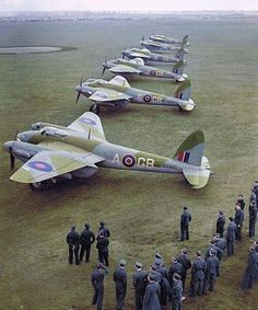 de Havilland Mosquitos of 105 Squadron at RAF Marham Norfolk UK. Decembe Informations About de Havilland Mosquitos of 105 Squadron at RAF Marham Norfolk UK. Ww2 Aircraft, Fighter Aircraft, Military Aircraft, Fighter Jets, Aircraft Carrier, De Havilland Mosquito, Norfolk, Photo Avion, V Force