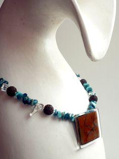 Collar piedras mariposa - Azul turquesa - Tribal de BGLASSbcn por DaWanda.com
