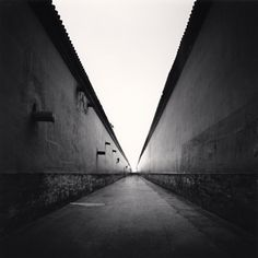 Michael Kenna: Forbidden City Walls, Beijing, China, 2007