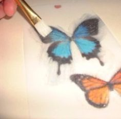 Wafer paper butterflies look like real butterflies, light and...