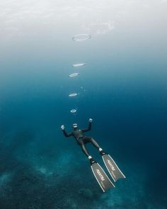 """Photo Of The Week: """"Taking a little break"""" by @deepfreediving. Find out more about our Photo Of The Week at https://ift.tt/2Bibszo or via the link in our bio above. #deeperblue #deeperbluephoto #diving #bubbles #divelife #freediving #freediver #freedive #onebreath #apnea #breathhold #underwater #uwphotography #underwaterlife #freedivingphotography #underwaterphoto #underwaterphotography #photooftheweek https://ift.tt/2IACqoP"""