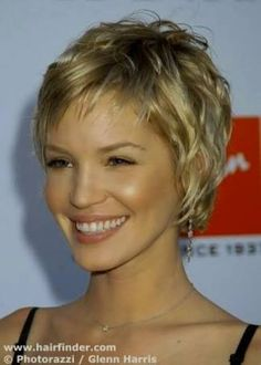 20 ravishing short haircuts for fine hair. Short haircuts for thin hair. Best short haircuts for straight fine hair. Ideas for short fine hair. Very Short Hair, Short Hair Styles Easy, Hair Styles 2014, Short Hair With Layers, Short Curly Hair, Curly Hair Styles, Thick Hair, Short Pixie, Short Blonde