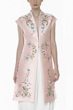 Libby Vest Muslim Fashion, Asian Fashion, Cheongsam Modern, Mother Of The Bride Fashion, Fancy Kurti, Indian Designer Suits, Royal Dresses, Cheongsam Dress, Kebaya