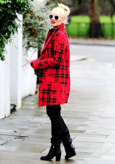 Gwen Stefani wore vibrant red in London's Leicester Square Dec. 28.