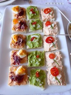 Quick Healthy Breakfast Ideas & Recipe for Busy Mornings Quick Appetizers, Appetizer Recipes, Snack Recipes, Snacks, Canapes Faciles, Party Canapes, Quick Healthy Breakfast, How To Eat Better, Small Meals