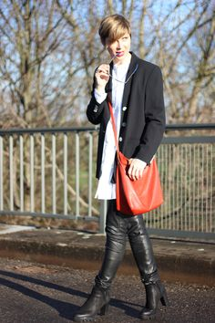 Boyfriend party look with leather and long bouse