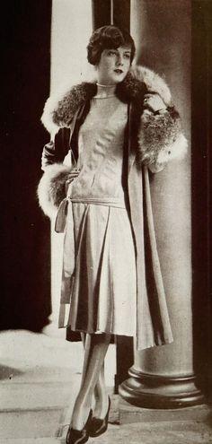 """Ensemble pour l'après-midi 1927  Les Modes (Paris) December 1927 """"Gamin"""" Ensemble pour l'après-midi par Lucien Lelong."""