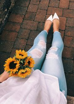 White Pumps & Ripped Skinny Jeans