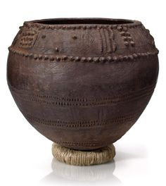 Africa | Pot from the Nupe people of Nigeria | Terracotta