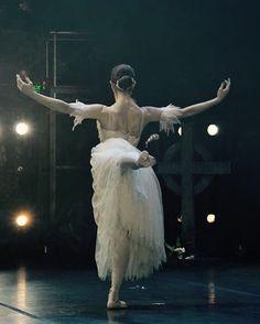 "Marianela Nuñez, ""Giselle"" at the Gala Internacional de Ballet 2015 Photo © Natacha Bernabei"