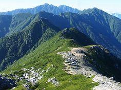 島田娘から空木岳へ伸びる稜線。空木岳|中央アルプス登山ルートガイド。Japan Alps mountain climbing route guide