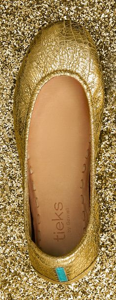 Golden Glitz Tieks are simply captivating! These handcrafted flats are sure to be your go-to for any occasion from Sunday brunch to a night out with friends.