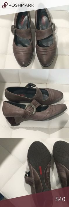 """Pikolinos 2"""" grey heels. Excellent condition Pikolinos 2"""" grey heels. Excellent condition size 40. Please note size 40. this is 9.5-10 PIKOLINOS Shoes"""