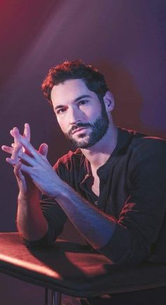 I could listen to him talk all night and his devilish smile makes me want to do horrible things to him. Grey's Anatomy, Charles Montgomery, Tom Ellis Lucifer, Morning Star, Film Serie, Hot Boys, Portrait, Vampire Diaries, Celebrity Crush