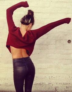 Cropped sweater+high waisted leather #croppedsweater #highwaisted #leather
