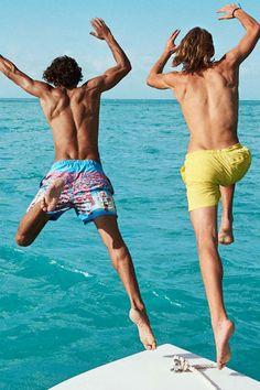 Disfruta de las vacaciones de verano con los bañadores de H&M a los mejores precios.  Modalia | http://www.modalia.es/marcas/ham/7261-banadores-color-hombre.html  #Modalia #hm #baño #summer #sun #swimwear #beachwear #man